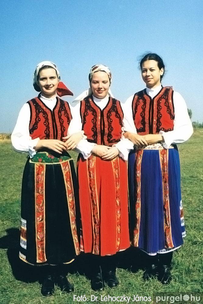 2000. 010 Dobbantó Néptáncegyüttes – Dobbantó10 – Fotó:D