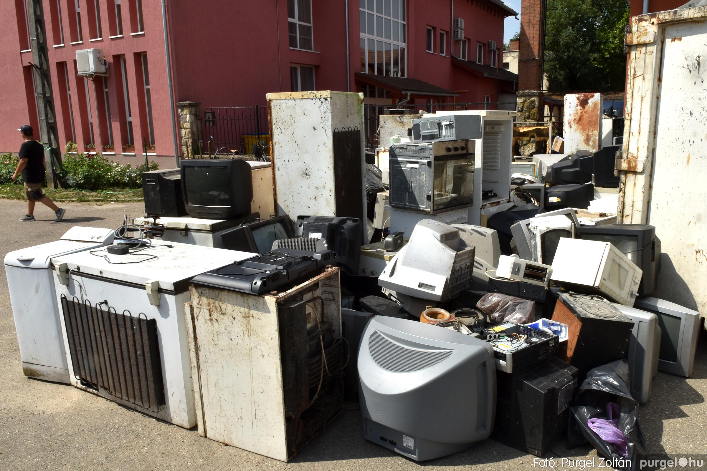 2021.08.01. 002 Elektronikai hulladékgyűjtés – Fotó:PURGEL ZOLTÁN© DSC_8564q
